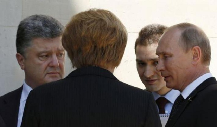 В РФ опровергли информацию о переговорах между Путиным и Порошенко