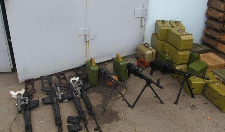 Террористы на востоке получили гуманитарную помощь из РФ, в виде оружия