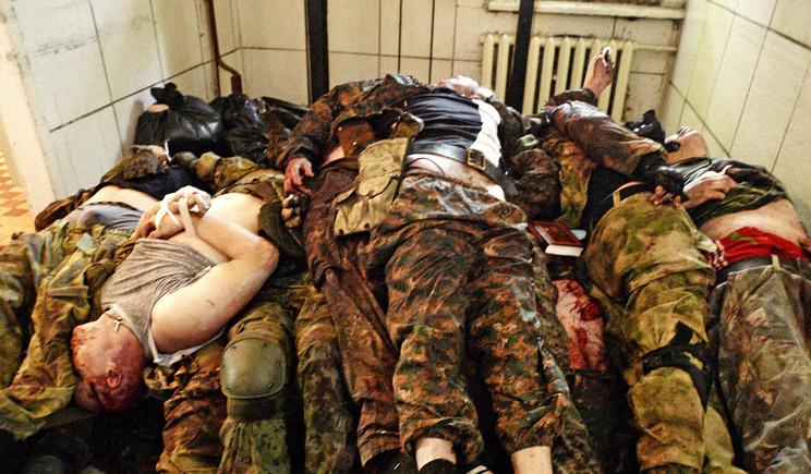 Трупы россиян продолжают свозить в морги Снежного и Енакиево