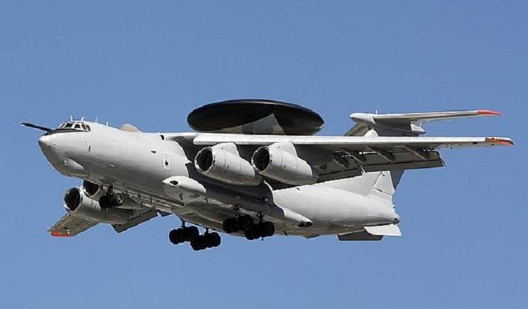 Российская авиация прикрывает переброску техники и боевиков в Украину