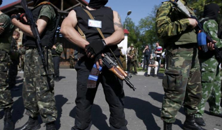 Главные агитаторы становиться в ряды ополчения, бегут из Украины