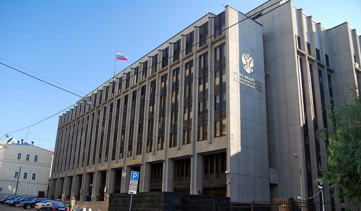Совет федерации рассмотрит предложение Путина об российской армии 25 июня