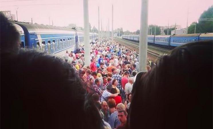 Из Луганска бегут мирные жители