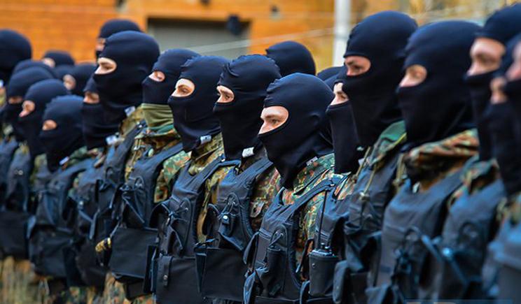 В Киев доставили тяжелораненого бойца батальона «Азов» (ВИДЕО)