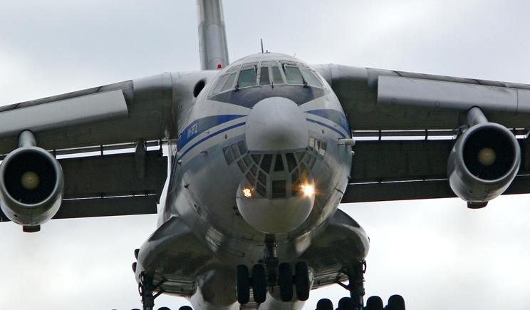 Террористы в Луганске сбили транспортный ИЛ-76, погибли 49 военнослужащих (ВИДЕО)