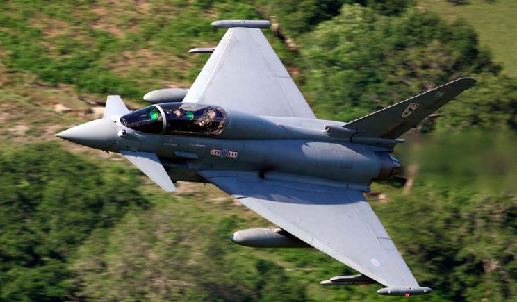 Британские истребители подняли по тревоге из-за россиян