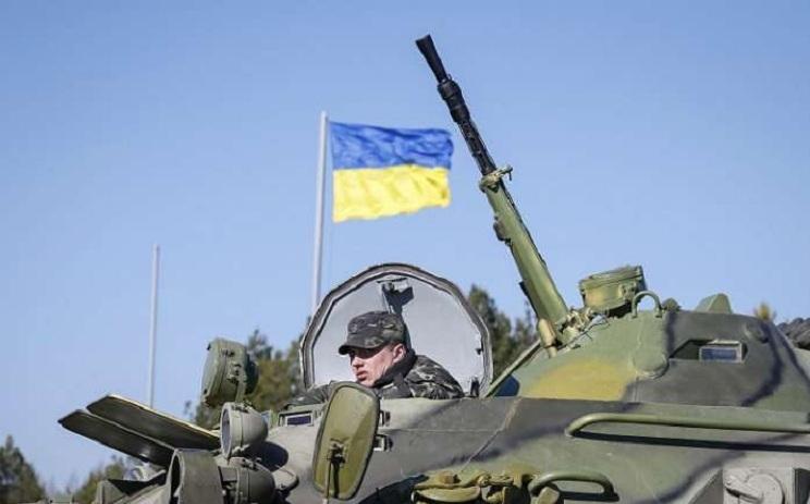 Украинские силовики взяли в кольцо Мариуполь