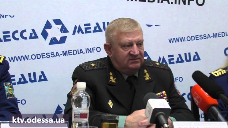 Пять тысяч рядовому принимающему участия в АТО, пообещал генерал-майор