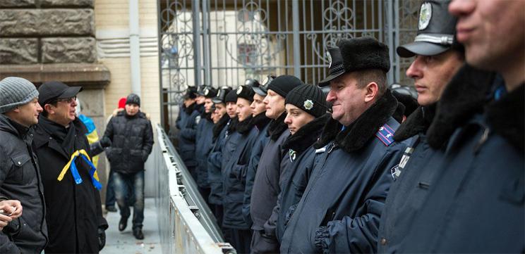 Из-за сообщения о минировании Киевского вокзала было эвакуировано 600 человек, – МВД