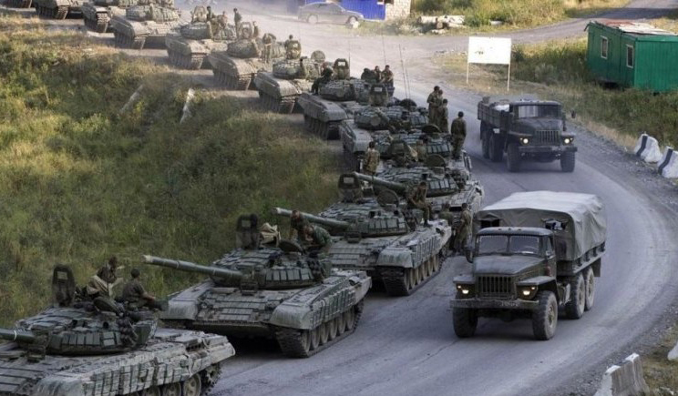 """Комбат """"Донбасса"""" считает стянутые к границе войска РФ, фактором психологического давления"""