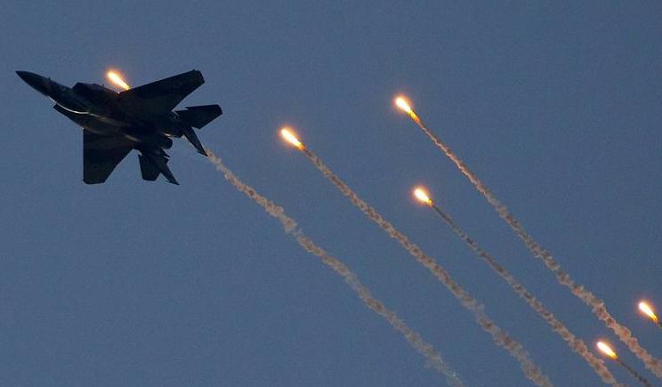 Военные самолеты России наносят авиаудары по украинским городам?