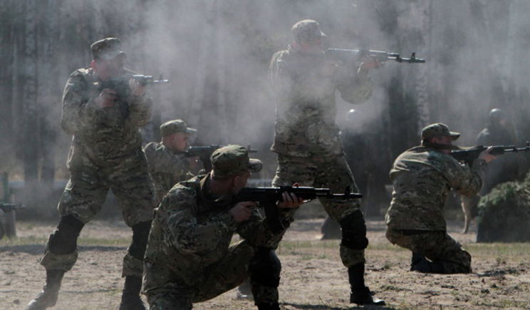 Нацгвардия отбила атаку террористов и перешла в наступление