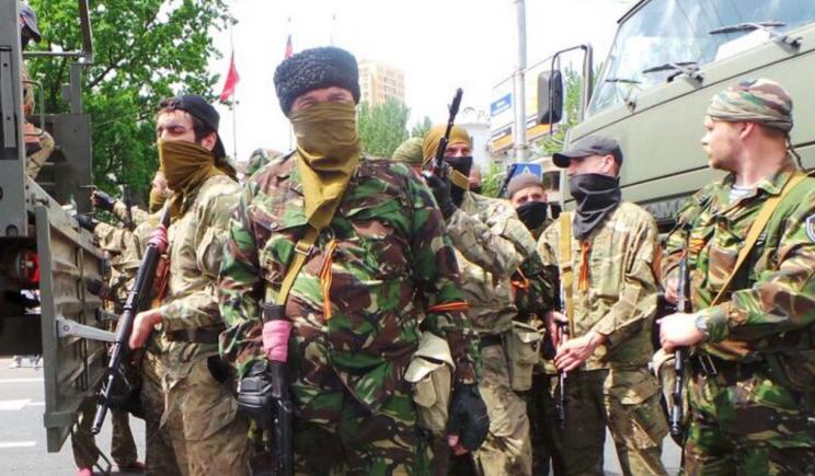 Террористы в панике бегут из Славянска