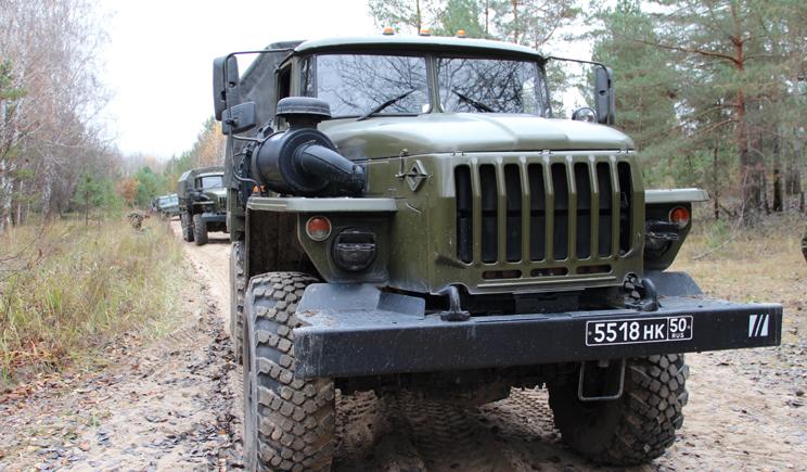 Сегодня ночью украинско-русскую границу пересекло 24 УРАЛа с военными РФ , а также 20 единиц танков и БТРов, – очевидцы