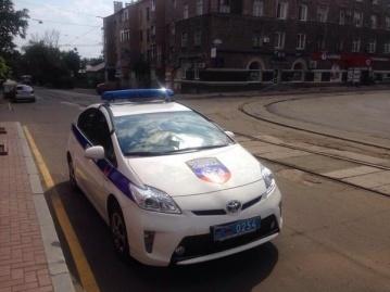 """В Донецке милиция уже ездит под символикой """"ДНР"""" ФОТО"""
