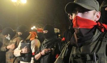 Боевик «Бес» находится в окружении, на него ведут охоту бойцы Правого сектора
