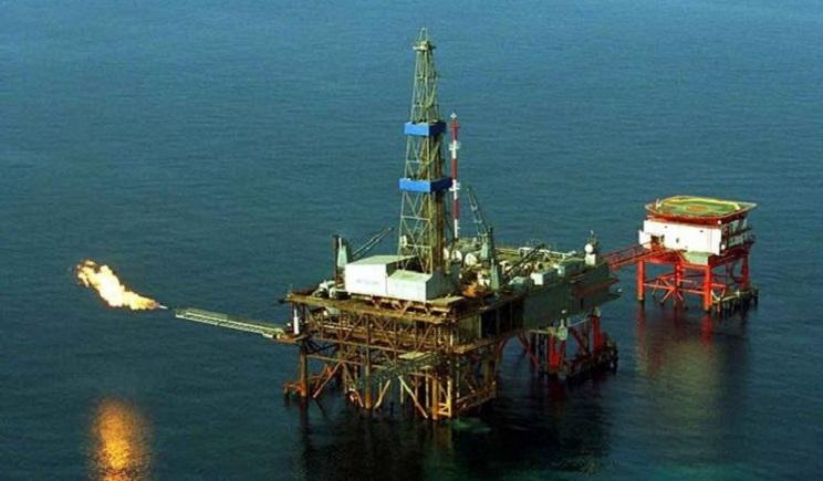 РФ начала минировать газодобывающие установки в Азовском море