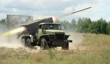 Боевики обстреляли дом престарелых в Луганске