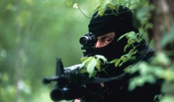 Украинский снайпер в зоне АТО убрал полковника вооруженных сил РФ, который вез вооружение боевикам