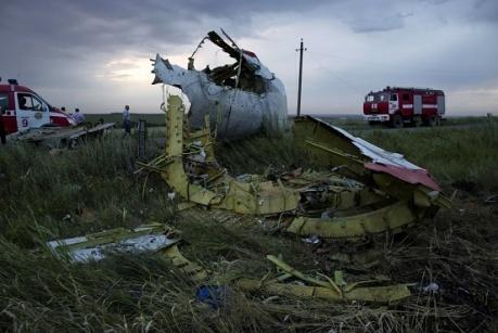 Террористы заминировали все подходы к сбитому ими Боингу 777