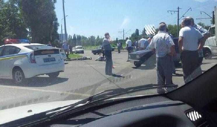 В Донецке расстреляли патруль ГАИ три сотрудника были убиты Видео
