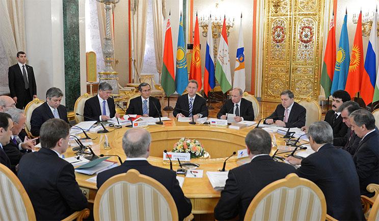 Москва, Астана и Минск никак не могут заманить в ЕврАзЭС Туркмению