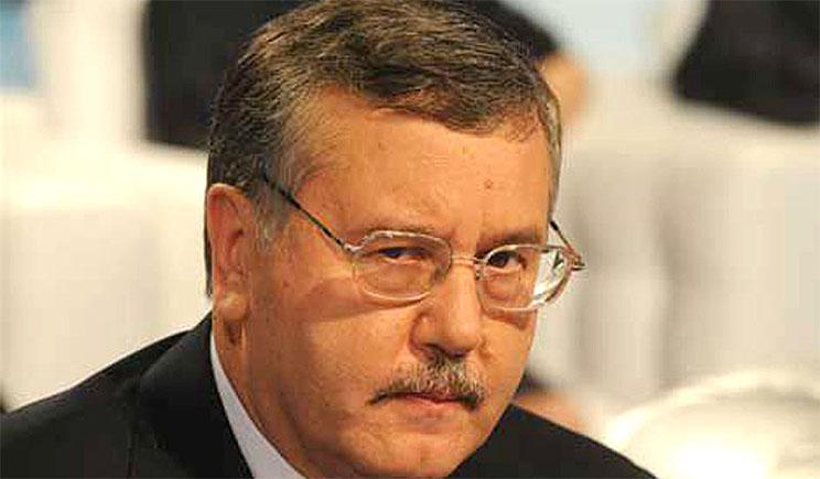 Президент должен безотлагательно решить вопрос ротации, – Гриценко