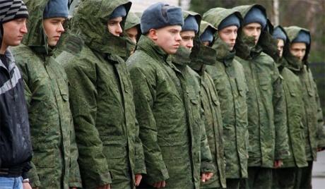 Крымчан начали вызывать в военкоматы. Возможно скоро их уже увидят в рядах «ополченцев» ДНР…