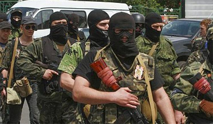 «Давай бабло!», — боевики захватили г.о. «ПриватБанка» в Луганске