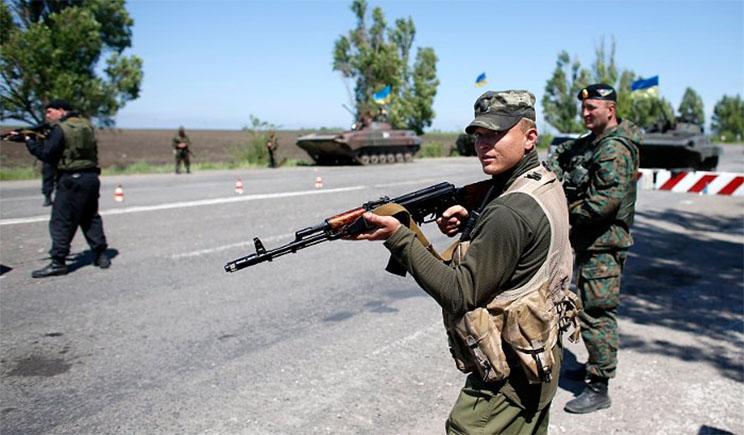 """Батальон """"Шахтерск"""", сформированный из жителей Донбасса, выдвигается в зону АТО"""