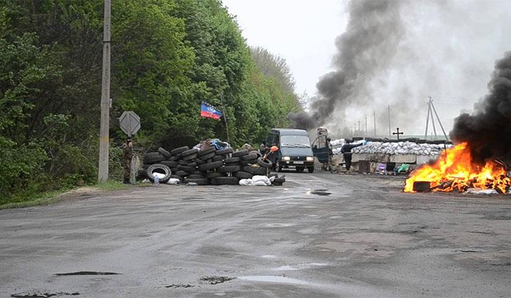 В Донецке террористы уже отбирают автомобили даже у россиян