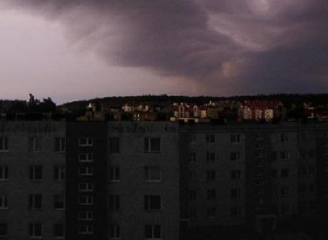 Луганск полностью отключен от электропитания