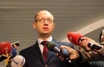 """Меркель ведет политику по принципу """"Я всегда права"""" – Яценюк"""