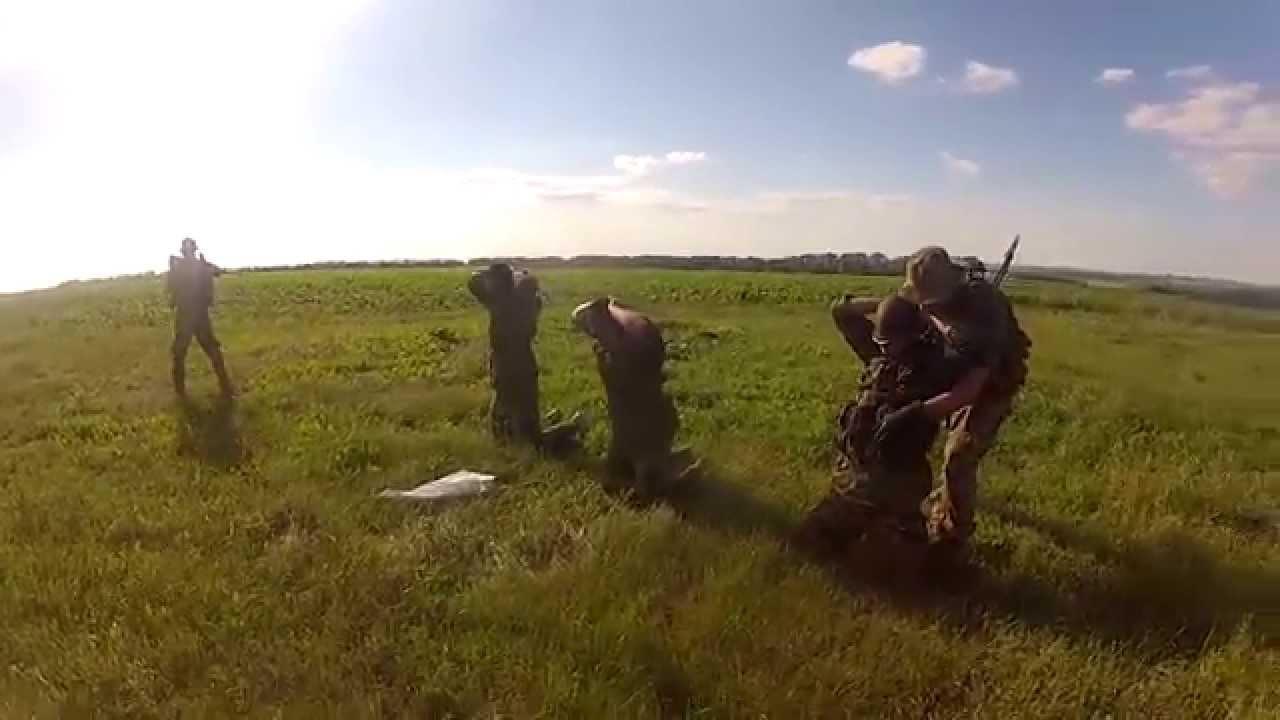 Как террористы сдаются украинским войскам (ВИДЕО)