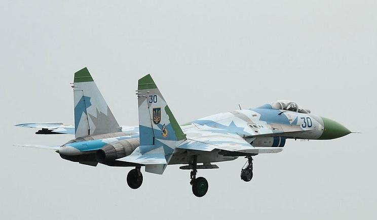 Возобновлены полеты военной авиации в зоне АТО