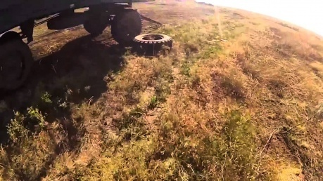 Видео с нашлемной камеры солдата, который попал под обстрел