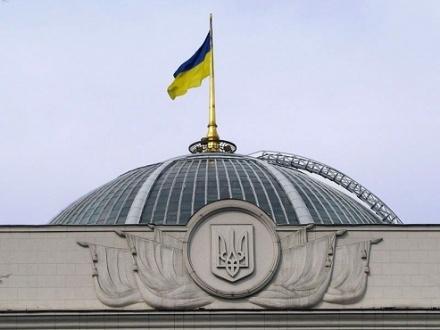 Парламент принял необходимые Яценюку законопроекты