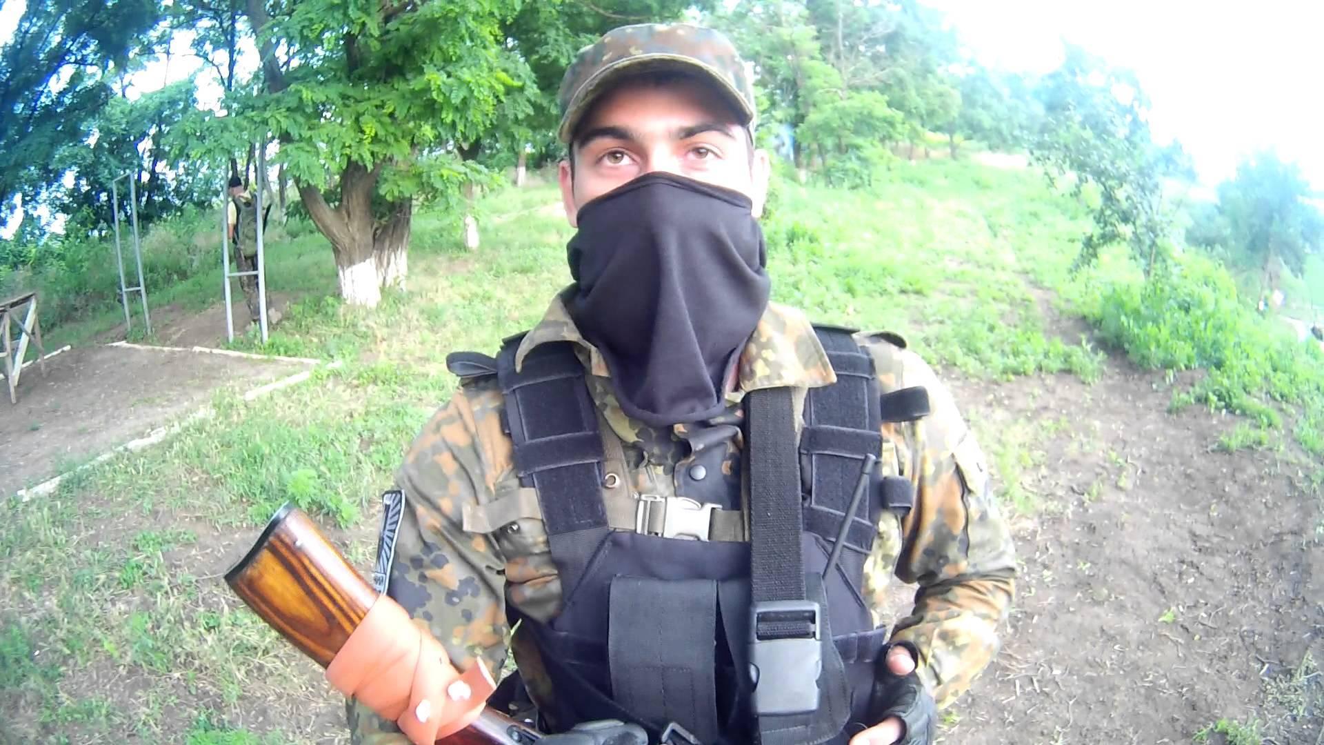 «Азов» пугает Порошенко
