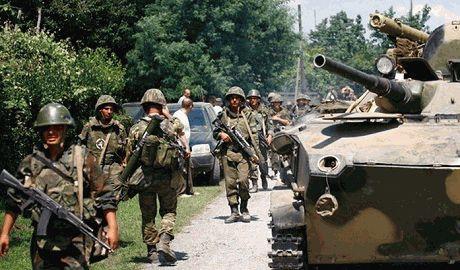Никаких «ополченцев» уже не осталось, РФ бросила в бой свои войска — Бутусов