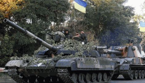 Одним выстрелом танка уничтожил завод боеприпасов оккупантов
