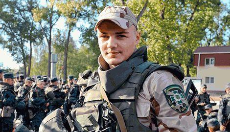 Боксер Усик вступил в ряды Национальной гвардии Украины и воюет на востоке