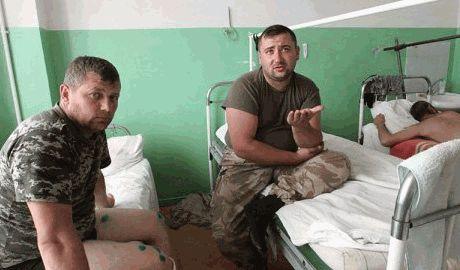У украинских военнослужащих , которых лечили в РФ, в зашитих ранах обнаруживают траву и песок