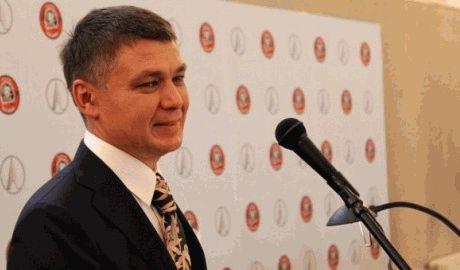 Племянник постпреда РФ в ООН Виталия Чуркина, владеет львовским автобусным заводом