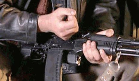 Парень в пункте выдачи оружия ДНР, получив автомат расстрелял всех боевиков