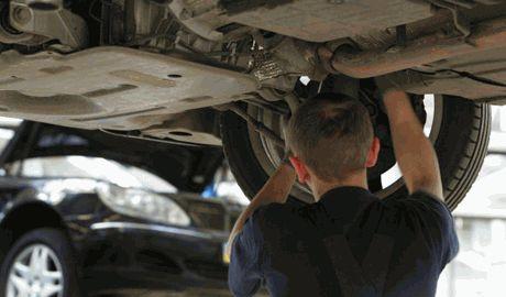 Бросили Lexus и начали ремонтировать ГАЗель, – активист о машине батальона территориальной обороны на СТО