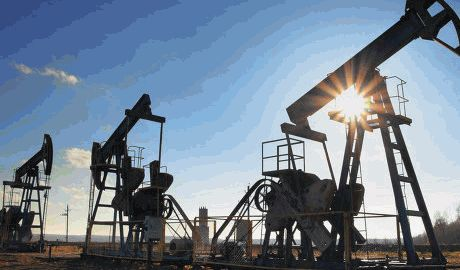 Цена на нефть Brent упала до минимума за год