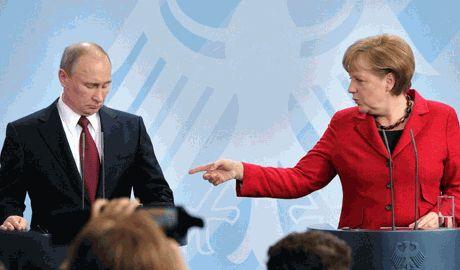 Меркель призвала Путина прекратить поставки наемников и оружия в Украину