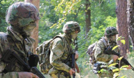 В тылу боевиков на Донбассе работает уже до двух десятков украинских диверсионно-разведывательных групп