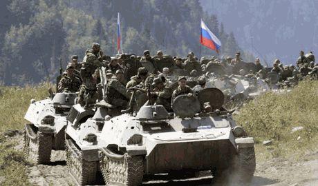 Российские войска наращивают свое количество на границе с Украиной и постоянно маневрируют