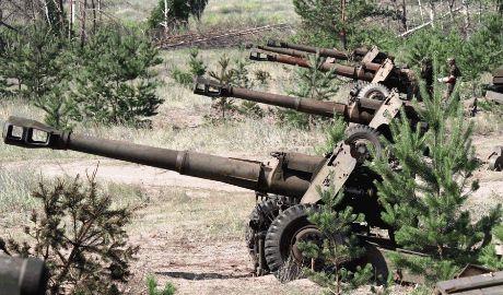 Гуманитарный конвой Путина въехавший на территории Украины без разрешения, после гостеприимной встречи артиллерии ВСУ развернулся обратно в сторону РФ